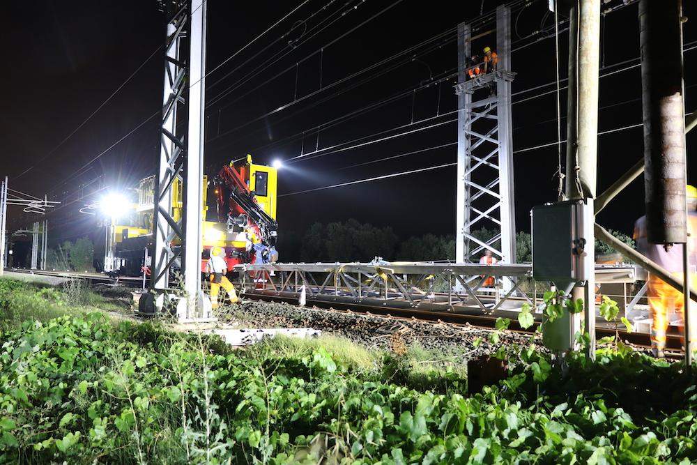 Rinnovo impianti di elettrificazione su varie tratte della linea Genova-Roma